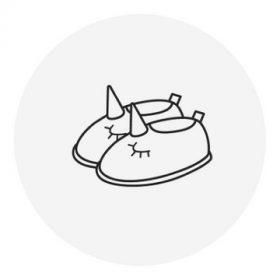 22-es méretű lány benti cipő