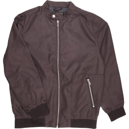 Fekete kabát (146-152)