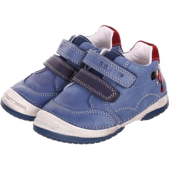 Katonás kék cipő