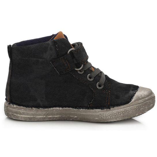Koptatott fekete vászoncipő