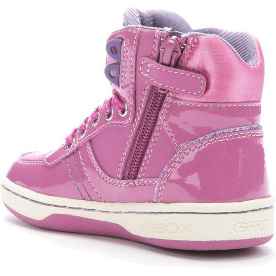 Feliratos rózsaszín cipő