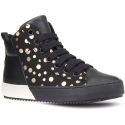 Pöttyös fekete cipő